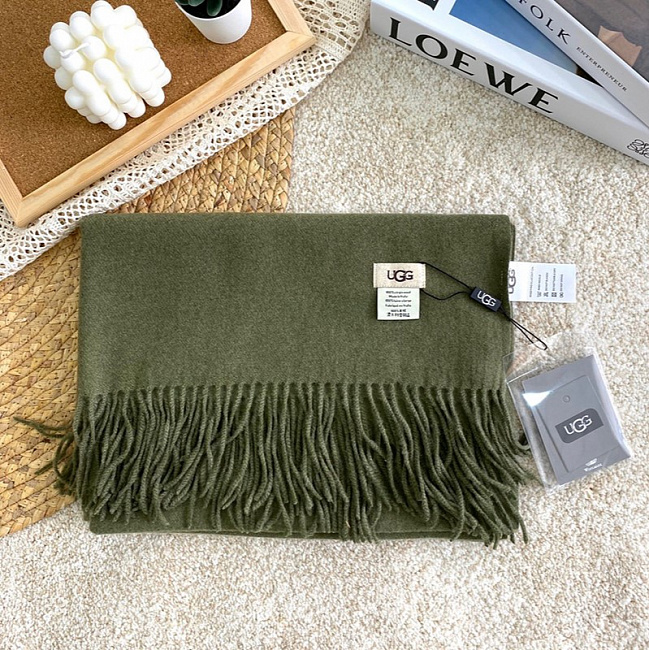Scarf Olive